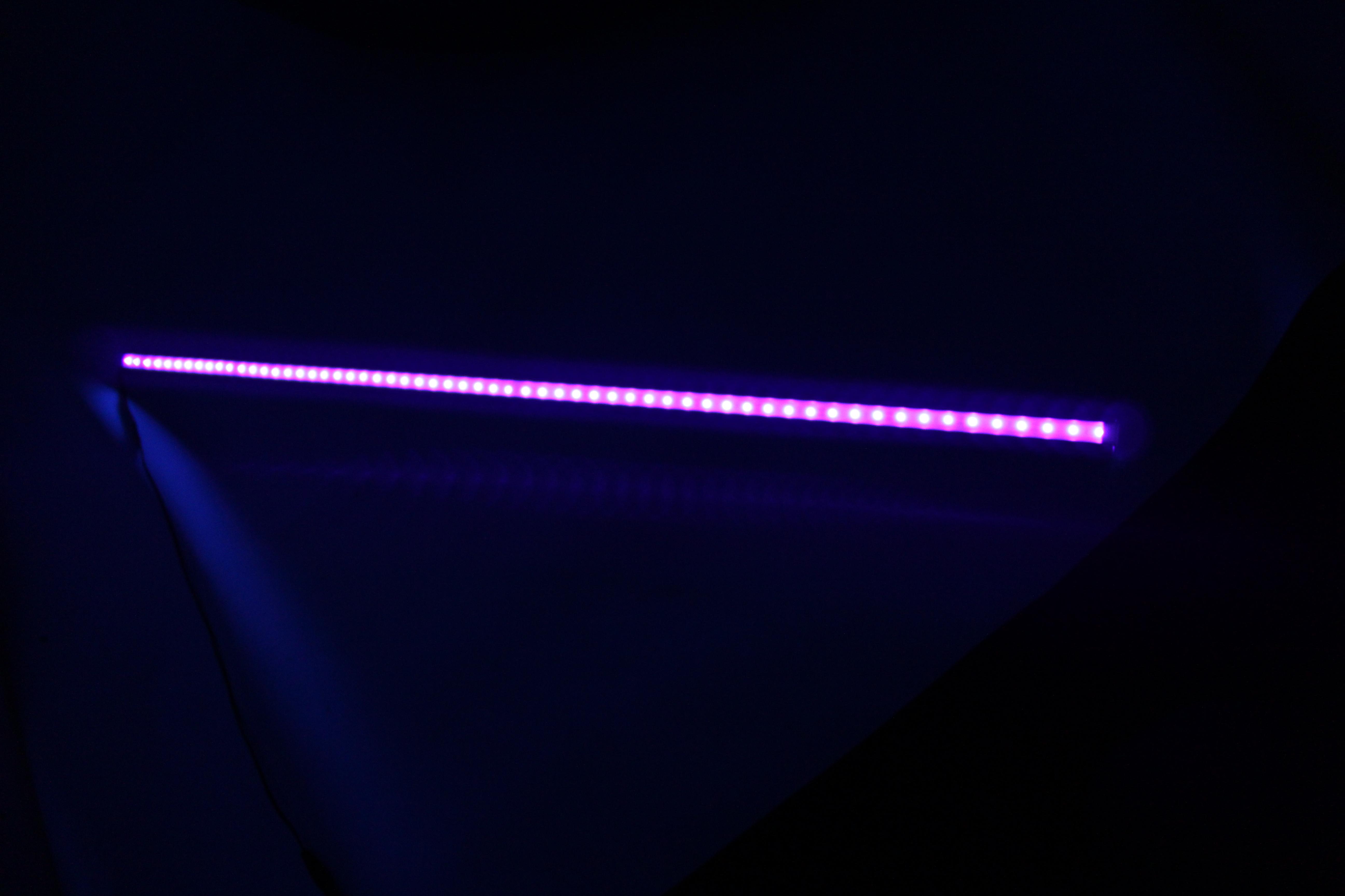 Bandă LED UV (1m) în carcasă imagine edituradiana.ro