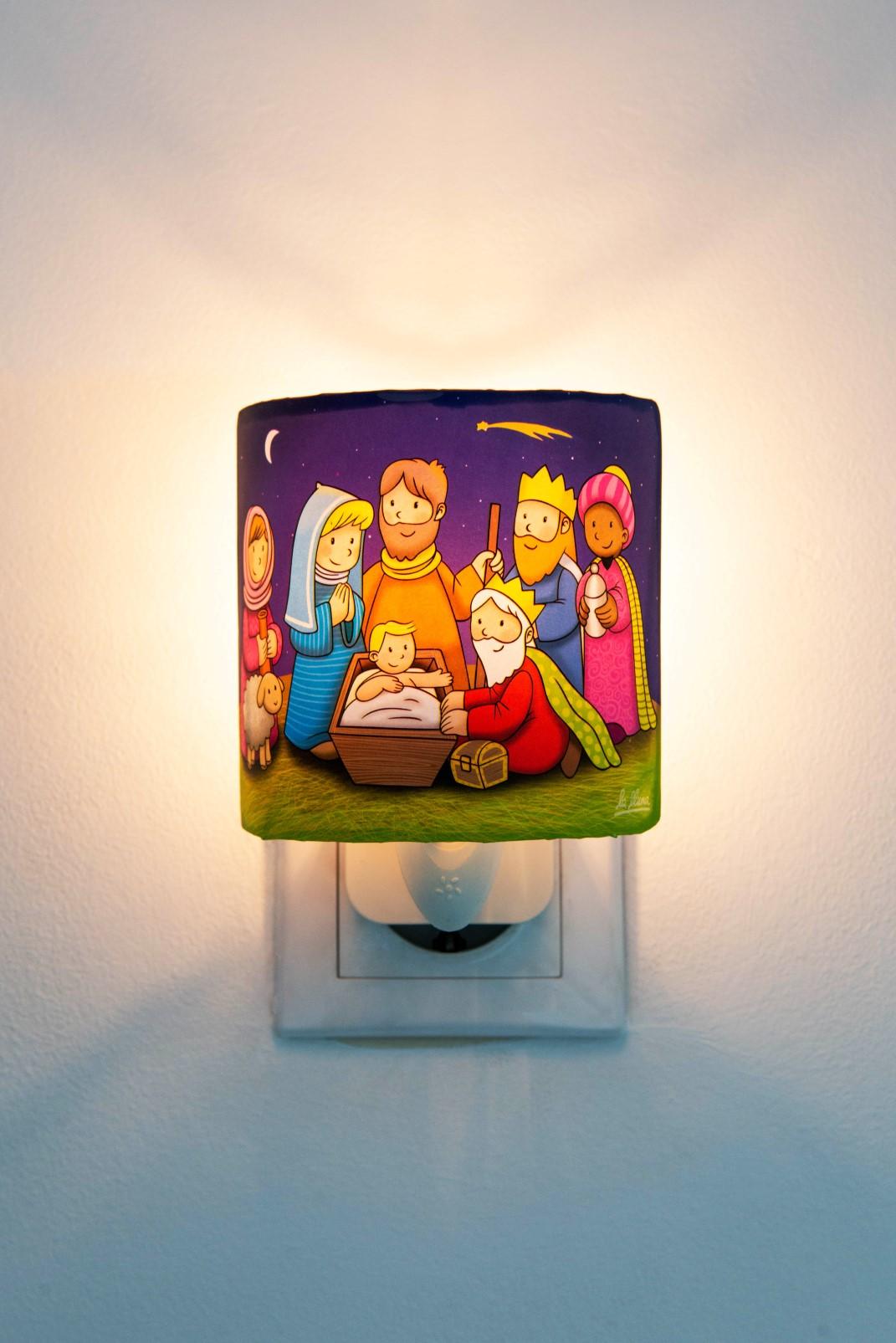 Lampă de veghe cu motive de Crăciun imagine edituradiana.ro