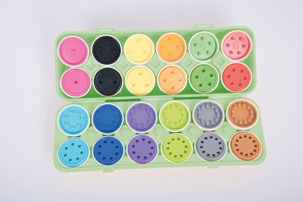Ouă din plastic cu numere şi culori - 12 bucaţi în cofrag imagine edituradiana.ro