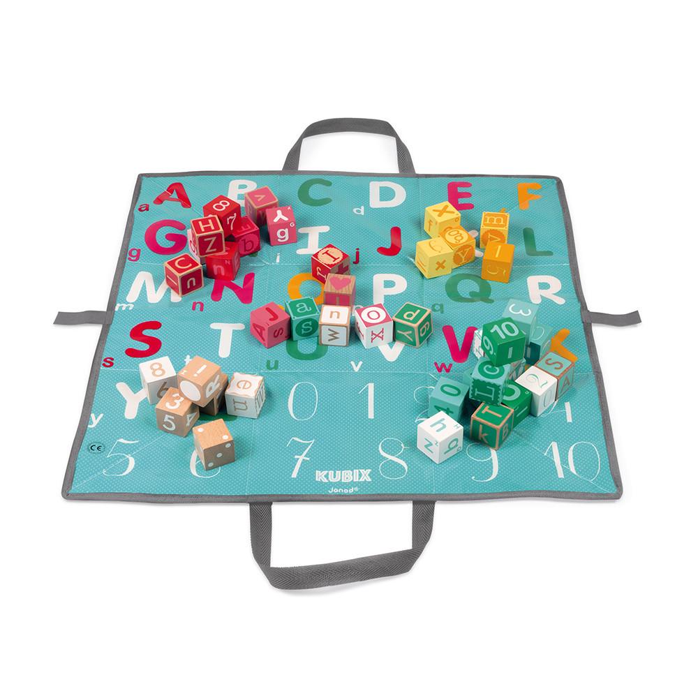 Set 40 de cuburi din lemn cu litere și numere și 1 covoraș de joacă pliabil (60 x 60 cm) imagine edituradiana.ro