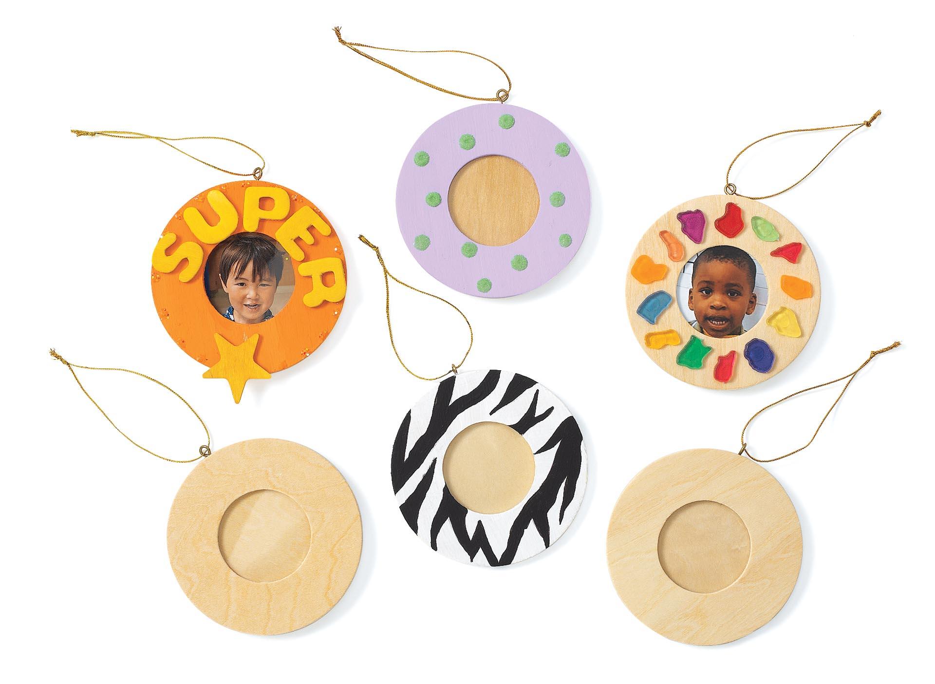 Set de 12 rame foto rotunde din lemn pentru decorare, 8.6 cm