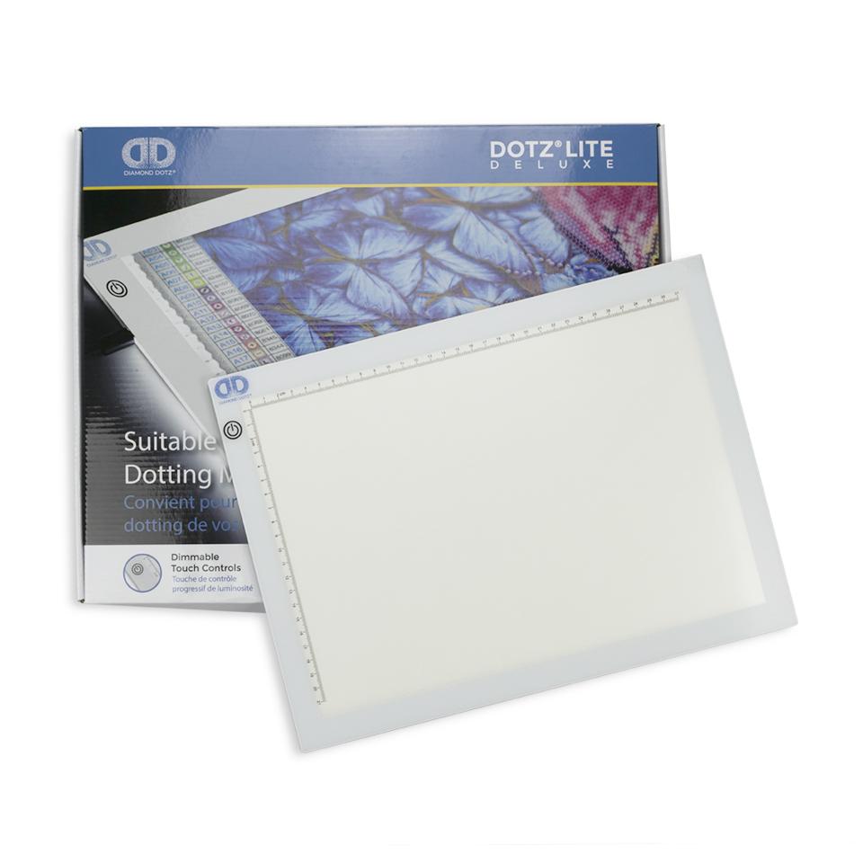 Tablă luminoasă Deluxe pentru pictura cu diamante, 36 x 27 cm imagine edituradiana.ro