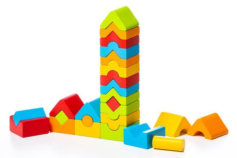 Jucarie Din Lemn Cubika Turnulete Pentru Indemanare, 18luni+ imagine