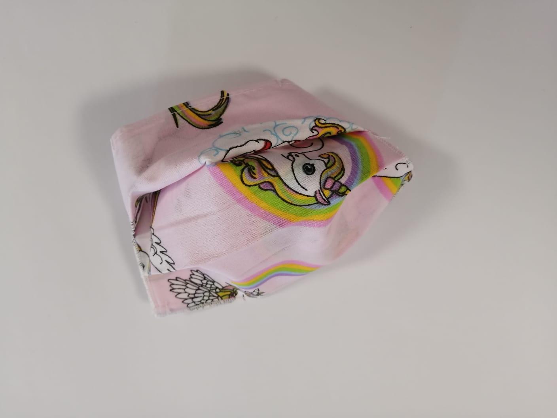 Masca Textila Cu Pliuri, Reutilizabila, 2 Straturi, Roz Cu Unicorni imagine