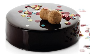 Tort de ciocolata Jaine, crema si jeleu de capsuni, mousse de ciocolata cu capsuni