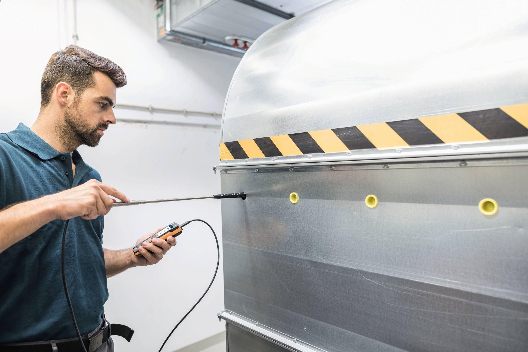 Set aparat pentru măsurarea vitezei aerului cu sonda Bluetooth testo 440