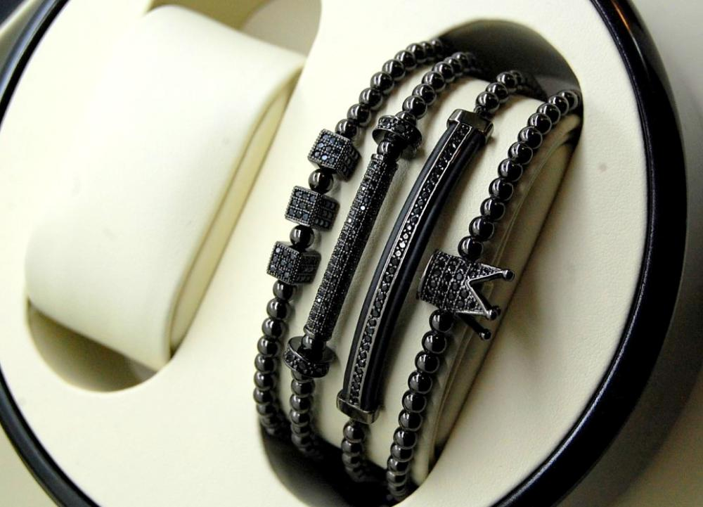 Luxury Set All Black 4 Brooks Bracelets