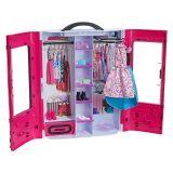 Dulapul fashion al lui Barbie