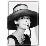 Carte postala metalica Audrey Hepburn cu palarie