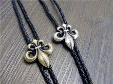 Cravata americana Bolo floare liliac Fleur de Lis Silver Silver