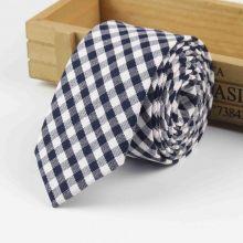 Cravata in carouri bleumarin si alb Square