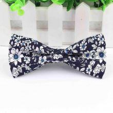Papion floral bleumarin si alb Mark Twain
