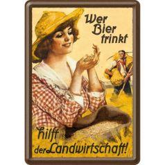 Carte postala metalica Wer bier trinkt feminina