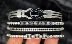 Luxury Set 4 Brooks Zircon Bracelets