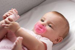 Suzeta Chicco silicon Physio Soft Light, forma ortodontica, 6-16 luni, roz