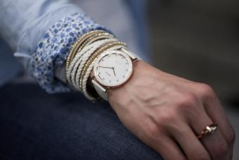 Ceas dama Aura cu carcasa din otel inoxidabil 36mm, curea din piele, mecanism Ronda 762, rezistent la apa  3 ATM