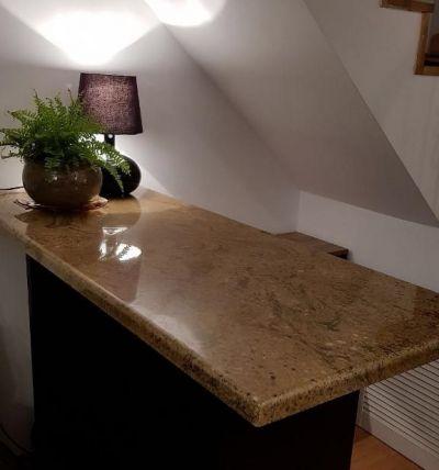 Modernizarea unui birou de receptie clienti cu blat din granit Ghibli  - Din portofoliul Vinca