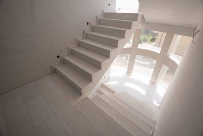 Trepte si contratrepte din lemn sau din  piatra naturala ?