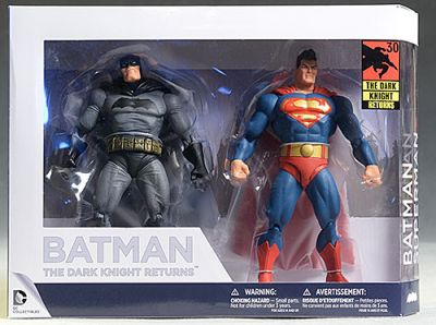 Figurina DC Comics Collectibles - Batman: The Dark Knight Returns (2 figurine - Batman si Superman) - Collectible Action Figure (15 cm)