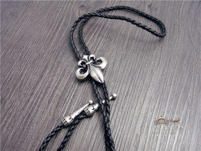 Cravata americana Bolo floare liliac Fleur de Lis Silver Gold