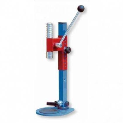 Dispozitiv de dopuit manual din oţel pentru dopuri tip coroană
