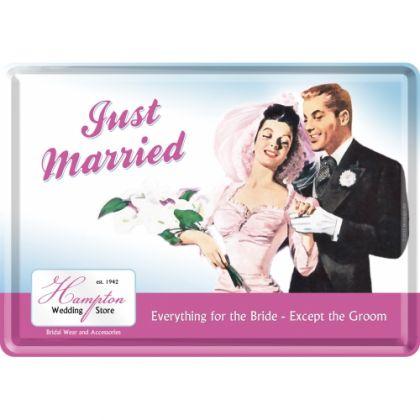 Carte postala metalica Just Married
