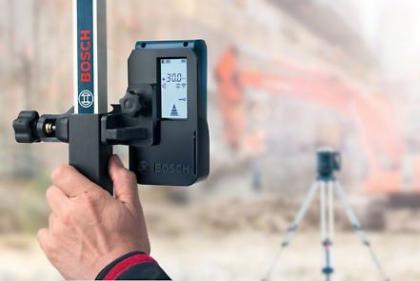 Nivela laser rotativa GRL 500 H + Geanta de protectie LR 50 + Rigla de masurare GR 240 Professional + Stativ pentru constructii BT 170 HD Professional