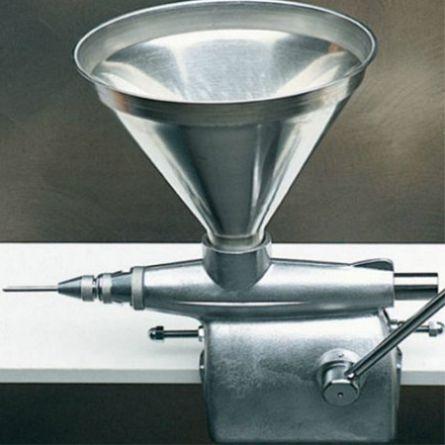Aparat manual dozare-umplere creme, 7 litri