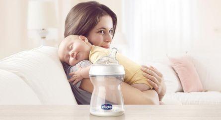 Biberon Chicco Natural Feeling, plastic, roz, 150ml, t.s. inclinata, 0luni+, flux normal, 0%BPA