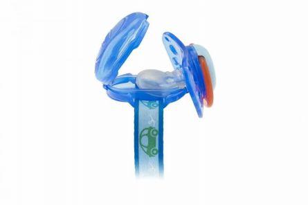 Lantisor Chicco cu capac de protectie pentru suzeta, 0luni+, Blue