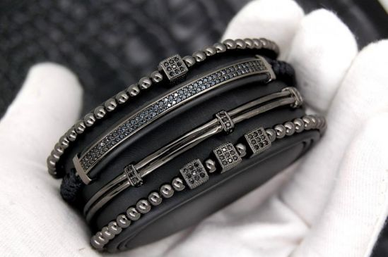 Brooks All Black Set 4 Bracelets